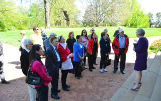 Virginia Psychoanalytic and American College of Psychoanalysts members starting Monticello tour